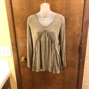 Olive Green crochet trim babydoll tee. Size small